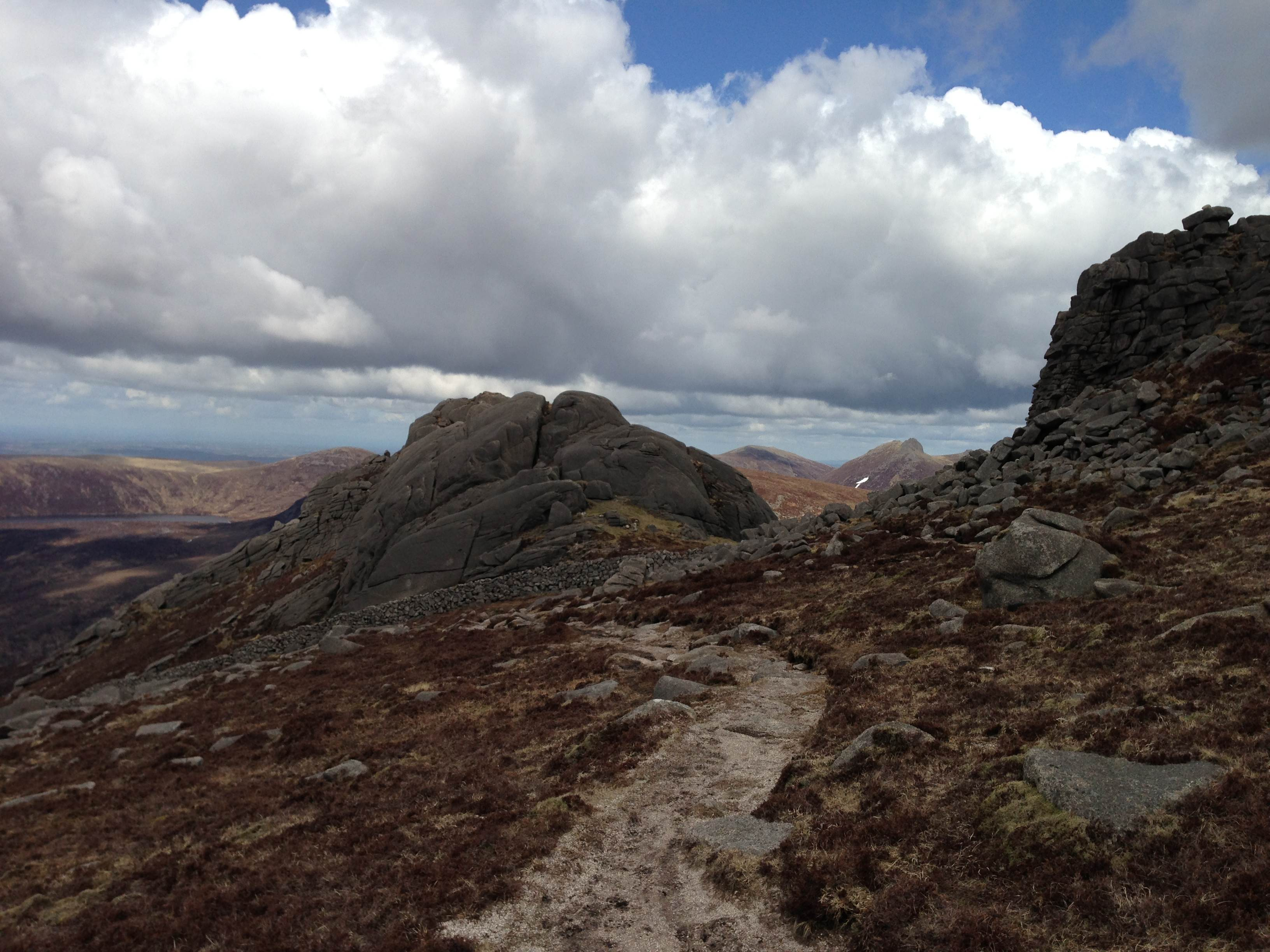 The last summit on Binnian before the final descent to Carrick Little